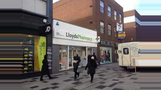 Primary Photo of 188 High Street Slough Berkshire SL3 8LF