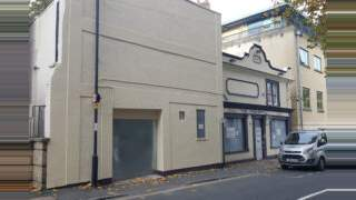 Primary Photo of Pineapple, 37 St George's Road, Bristol, BS1 5UU