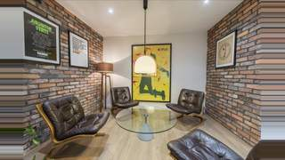 Primary Photo of 1 Neal Street, WC2H 9QL